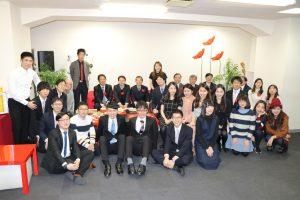 來賓和留學生合照
