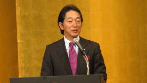論壇由蟹瀨誠一演講最近國際局勢