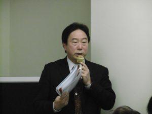 競選連任的陳慶仰會長進行政見說明