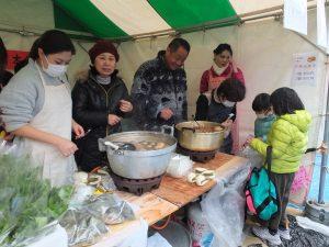 お茶で煮て作る茶葉蛋も販売